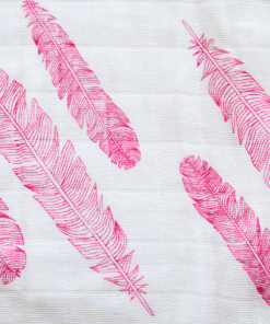 In-the-box-gifts-feather-pink-muslin-swaddle-otto-muslin-03