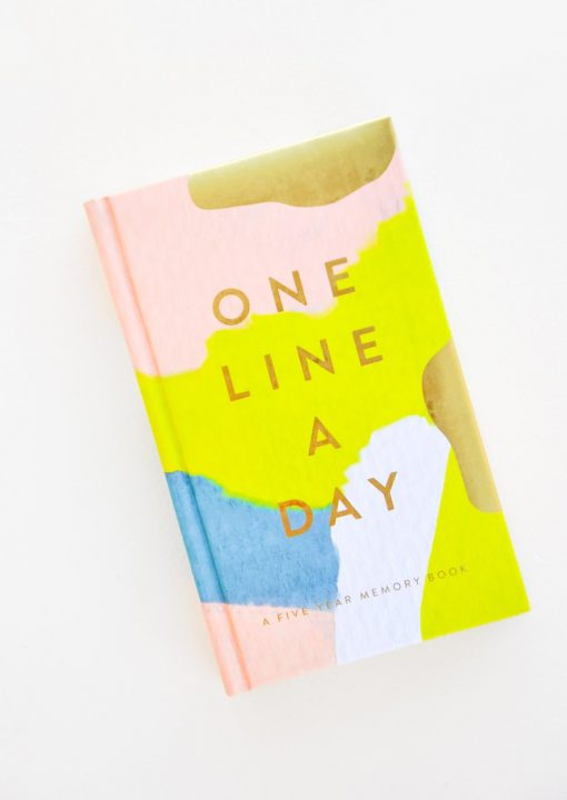 In-the-box-gifts-one-line-a-day-memory-book