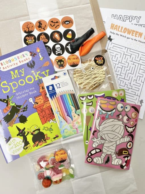 In-the-box-gifts-halloween-letterbox-gift-001a